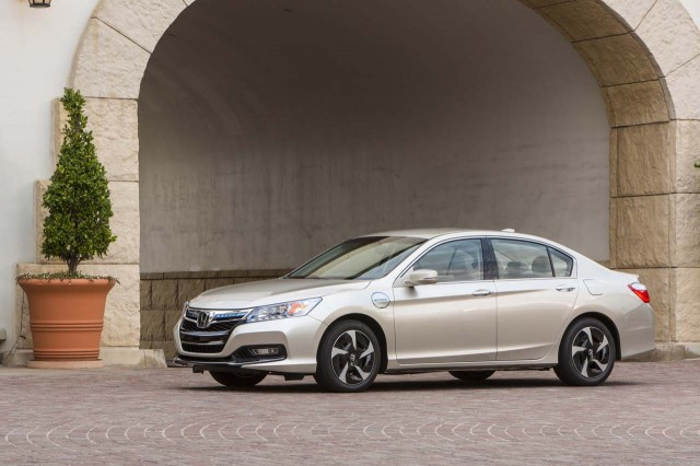 assessing the honda clarity range how electric cars fit in and why. Black Bedroom Furniture Sets. Home Design Ideas