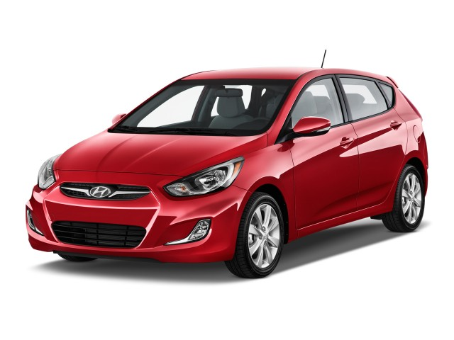 2014 Hyundai Accent 5dr HB Auto SE Angular Front Exterior View