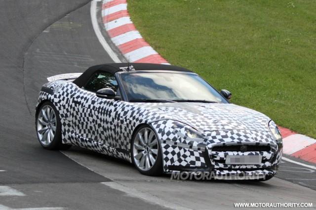 2014 Jaguar F-Type R spy shots