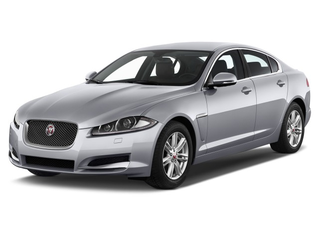 2014 Jaguar XF 4-door Sedan I4 T RWD Angular Front Exterior View