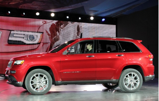 2014 jeep grand cherokee high mpg diesel eight speeds and a facelift. Black Bedroom Furniture Sets. Home Design Ideas