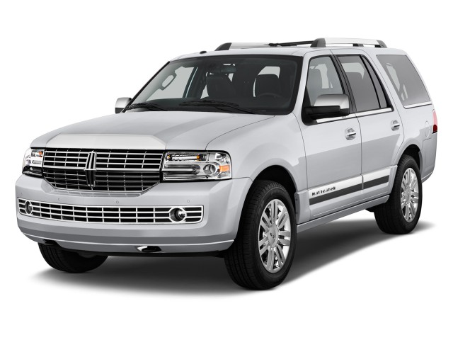 2014 Lincoln Navigator 2WD 4-door Angular Front Exterior View