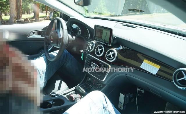 2014 Mercedes-Benz GLA Class spy shots