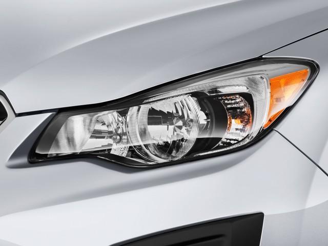 2014 Subaru Impreza 5dr Auto 2.0i Headlight