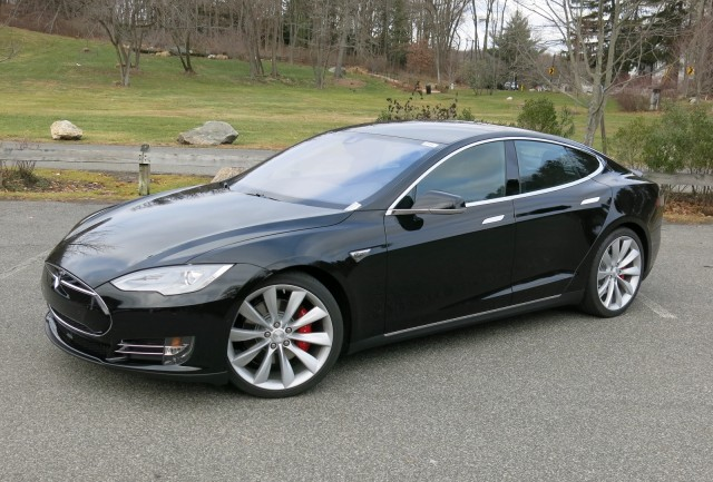 Tesla P85D Top Speed, Performance To Be Boosted In 'Next Few Months'