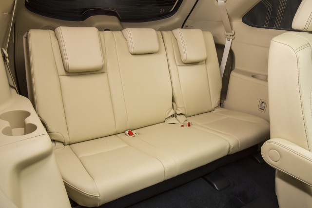 Amazing Suvs With Captains Chairs Plus Third Row Seats Shoppers Evergreenethics Interior Chair Design Evergreenethicsorg