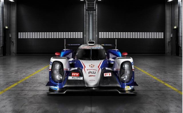 2014 Toyota TS040 Hybrid Le Mans prototype