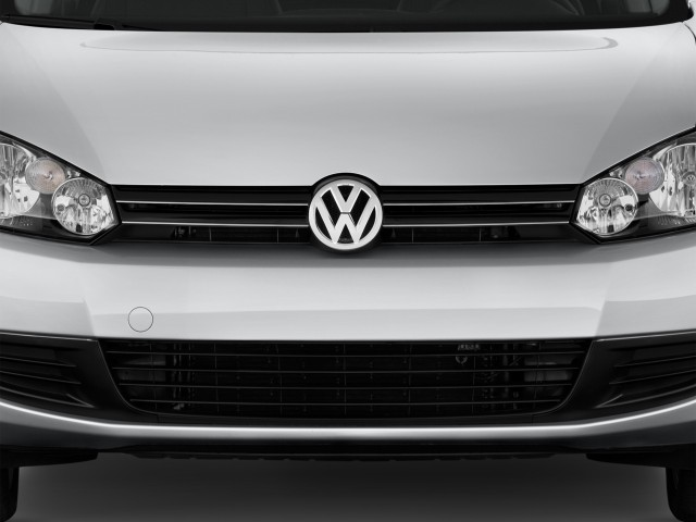 Grille - 2014 Volkswagen Jetta Sportwagen 4-door DSG TDI