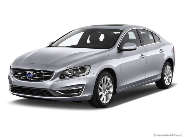 2014 Volvo S60 4-door Sedan T5 FWD Angular Front Exterior View