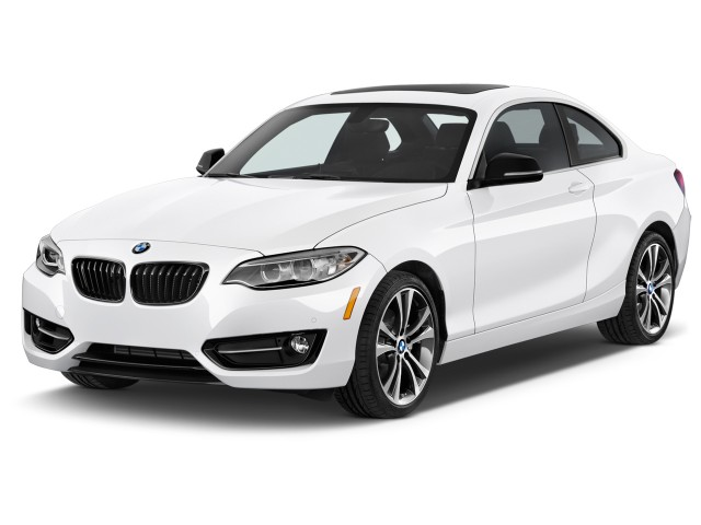 2015 BMW 2-Series 2-door Coupe 228i RWD Angular Front Exterior View