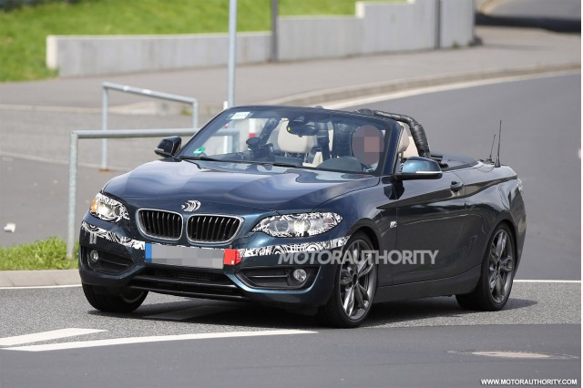 2015 BMW 2-Series Convertible spy shots