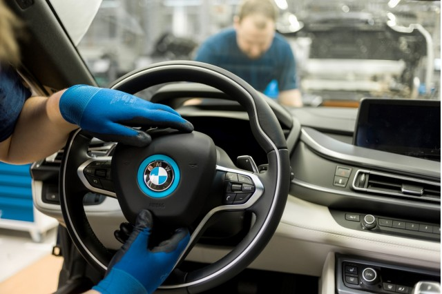 bmw i8 plug in hybrid coupe production will double to meet demand. Black Bedroom Furniture Sets. Home Design Ideas