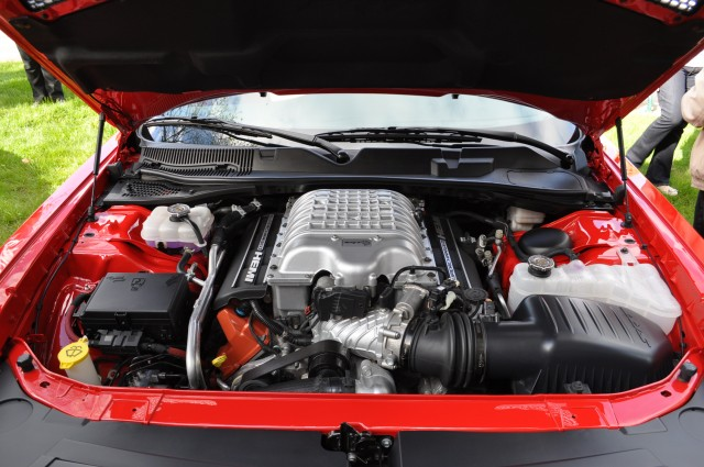 2015 Dodge Challenger SRT Hellcat: Live Photos And Video