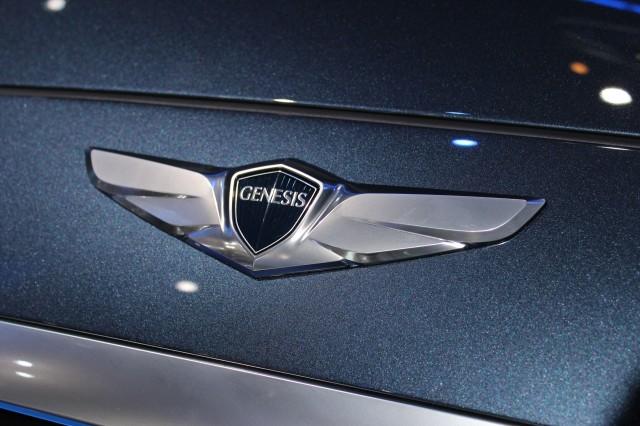 2015 Hyundai Genesis - 2014 Detroit Auto Show live photos