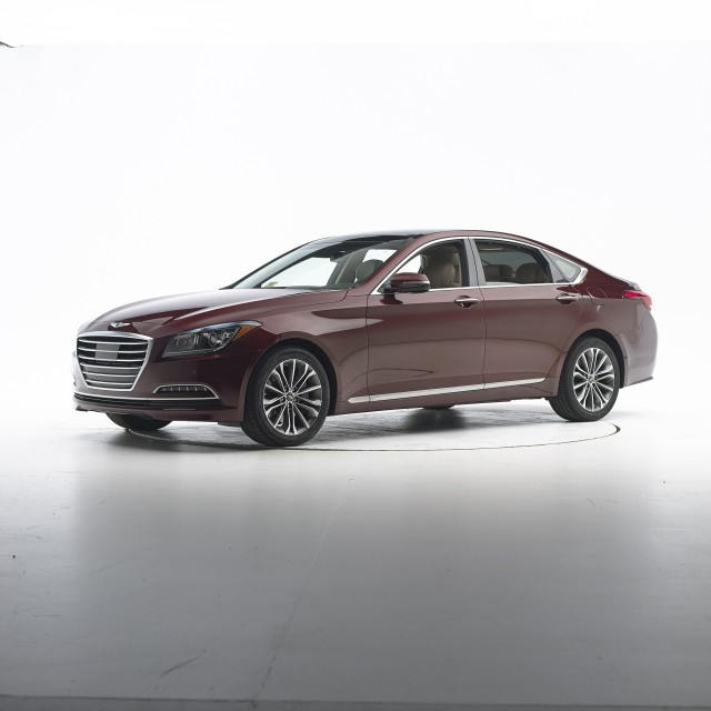 2015 Hyundai Genesis IIHS Top Safety Pick+