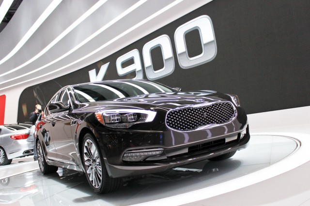 2015 Kia K900, 2013 Los Angeles Auto Show