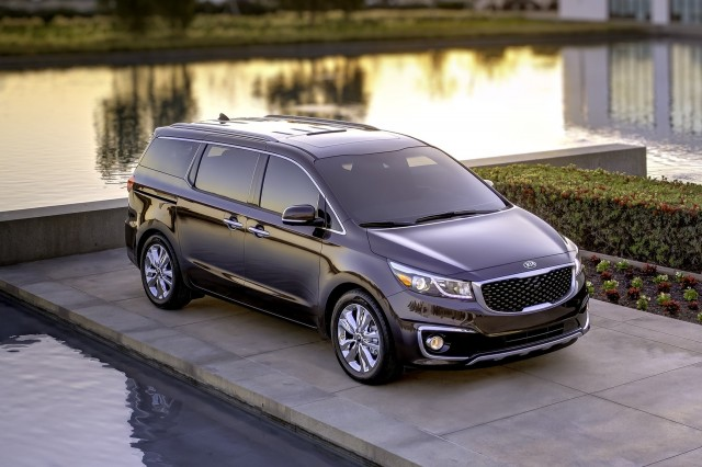 Dodge Grand Caravan Vs Kia Sedona The Car Connection - Kia sedona invoice price