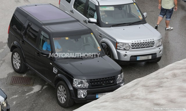 2014 Land Rover LR4 (Discovery) facelift spy shots