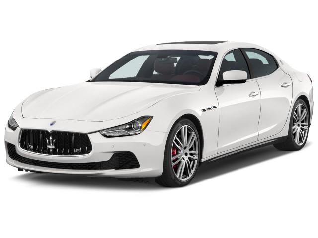 2015 Maserati Ghibli 4-door Sedan Angular Front Exterior View