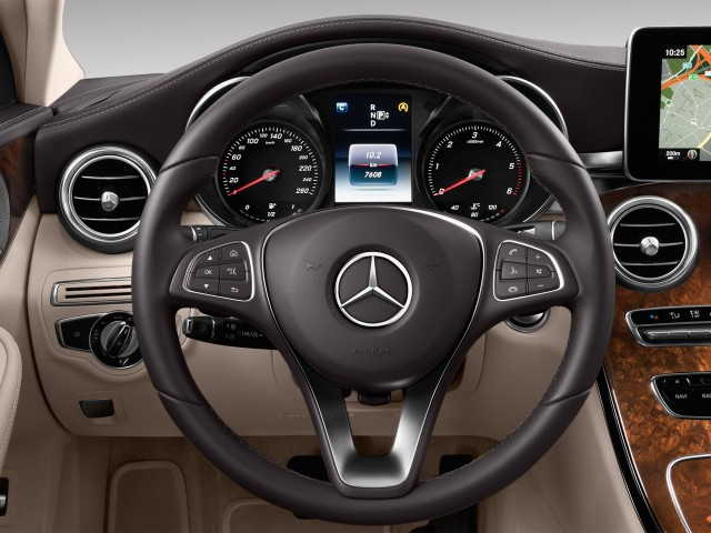 2015 Mercedes-Benz C Class 4-door Sedan C300 Luxury RWD Steering Wheel