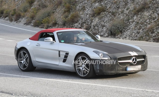 2015 Mercedes-Benz SLS AMG GT Roadster facelift spy shots