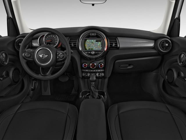2015 MINI Cooper Hardtop 4 Door 4-door HB Dashboard