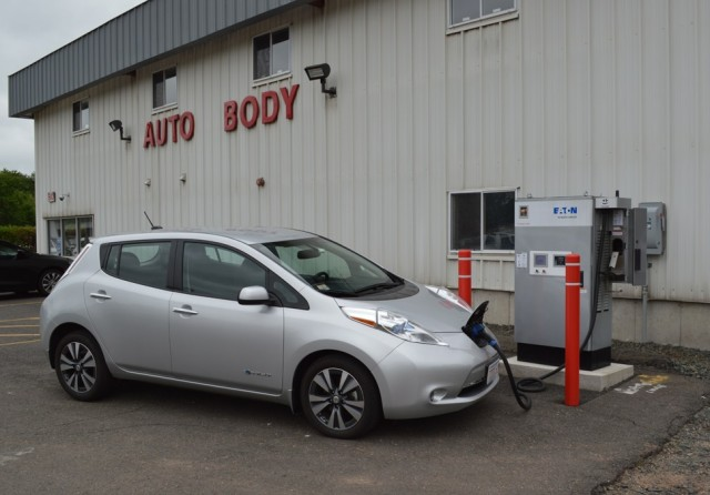 2015 Nissan Leaf at ChargePoint fast charger at DeCormier Nissan, Manchester, CT [photo John Briggs]