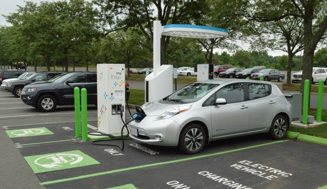 2015 Nissan Leaf fast-charging at Quaker Bridge Mall, Lawrence, NJ [photo: John Briggs]