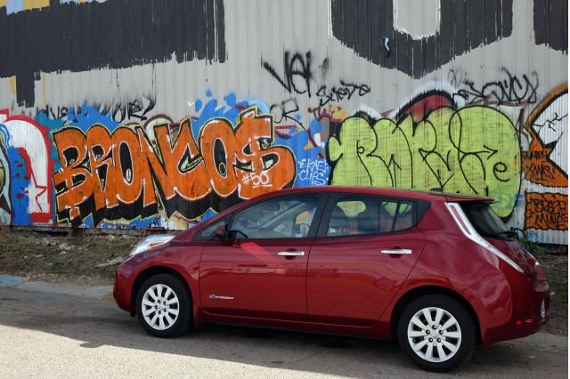2015 Nissan Leaf, Denver, Colorado, Mar 2016  [photo: owner Andrew Ganz]