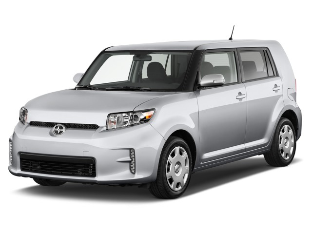 2015 Scion xB 5dr Wagon Auto (Natl) Angular Front Exterior View