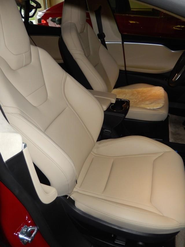 2015 Tesla Model S P85D - new front seat design [photo: owner George Parrott]
