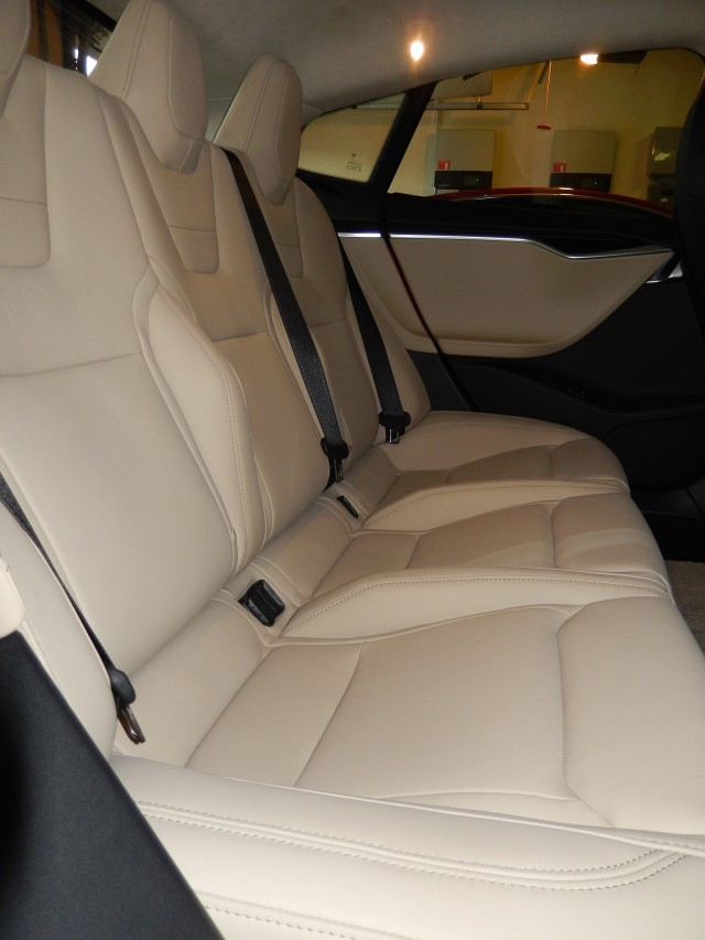 2015 Tesla Model S P85D - new rear seat design [photo: owner George Parrott]