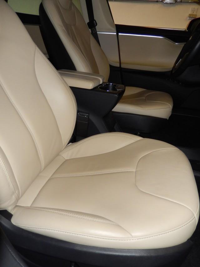 2013 Tesla Model S - old front seat design [photo: owner George Parrott]