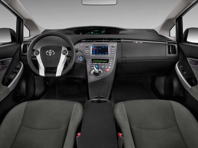 2015 Toyota Prius 5dr HB Three (Natl) Dashboard