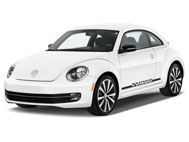 2015 Volkswagen Beetle Coupe 2-door Man 1.8T Angular Front Exterior View