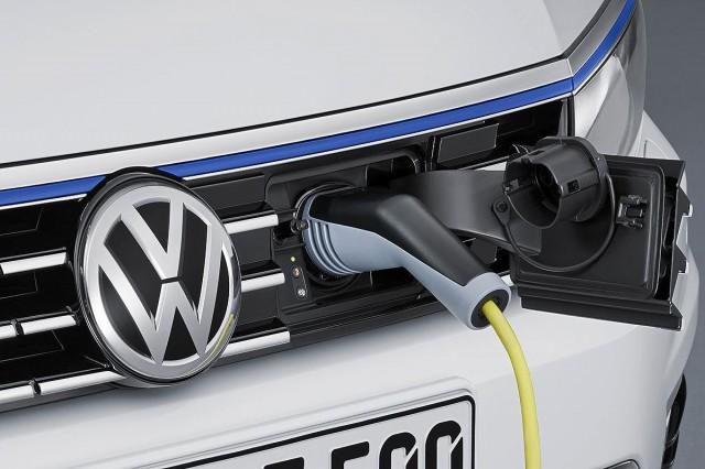 Volkswagen Pat Gt Concept 2016 Los Angeles Auto Show