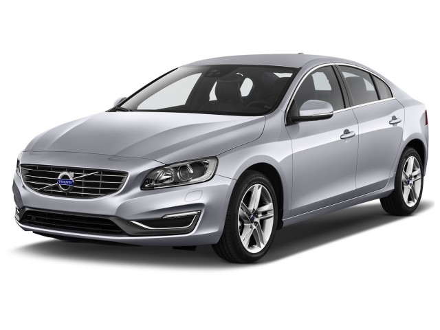 2015 Volvo S60 4-door Sedan T5 Drive-E FWD Angular Front Exterior View
