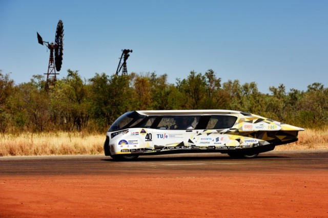 World Solar Challenge Concludes As Teams Cover 1,800 Miles ...