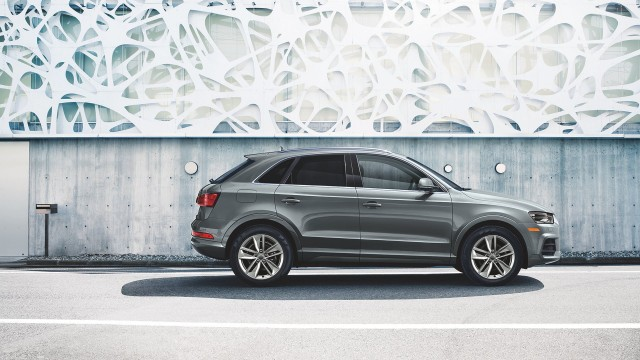 2016 Audi Q3 vs 2016 Volvo XC60  The Car Connection