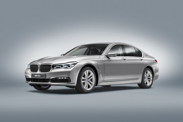 2017 BMW 740e xDrive i Performance