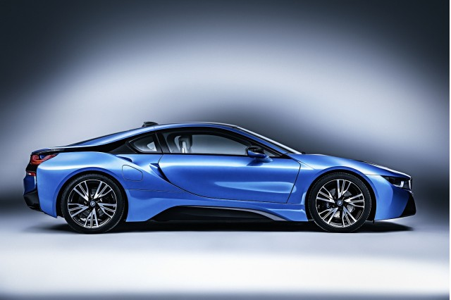 bmw i8 finally sounds mean thanks to heinz performance exhaust. Black Bedroom Furniture Sets. Home Design Ideas