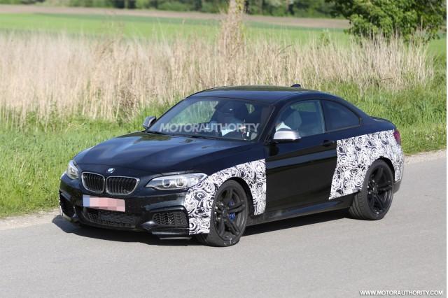 2016 BMW M2 spy shots