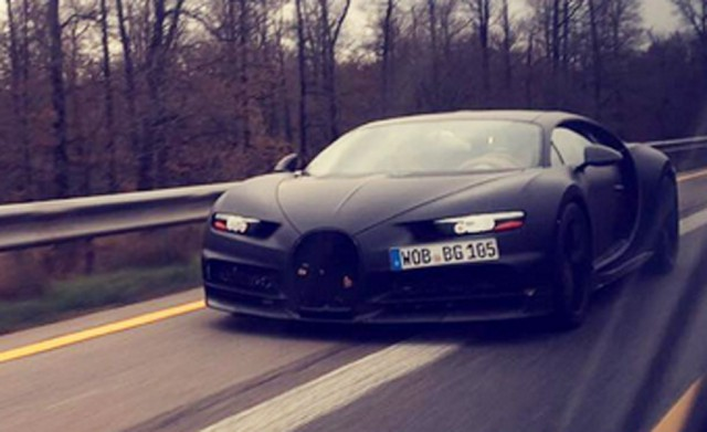 2016 Bugatti Chiron spy shots - Image via max.knz