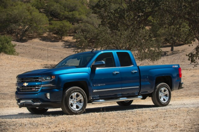 2015-2016 Chevrolet Silverado and GMC Sierra recalled for airbag issue