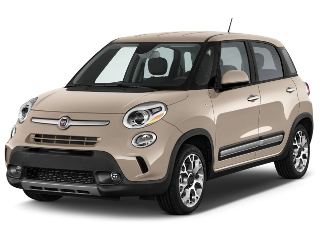 2016 FIAT 500L 5dr HB Trekking Angular Front Exterior View