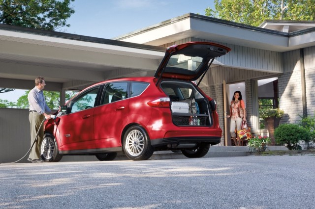 2017 ford c max energi vs 2017 chevrolet volt compare cars. Black Bedroom Furniture Sets. Home Design Ideas
