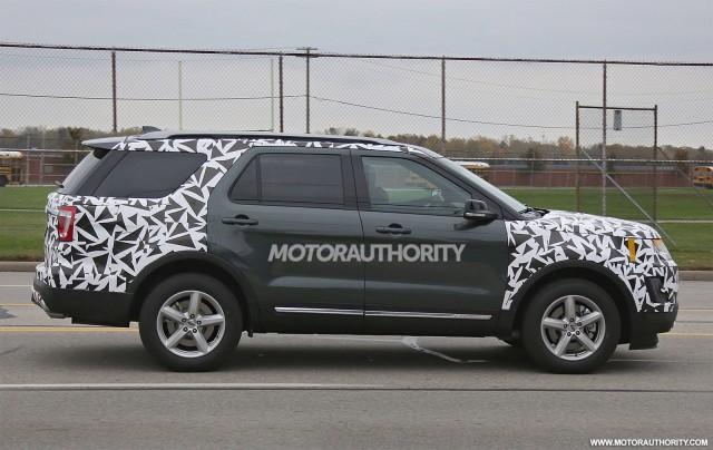 2016 Ford Explorer facelift spy shots