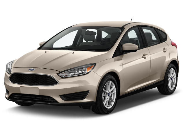 2016 Ford Focus 5dr HB SE Angular Front Exterior View