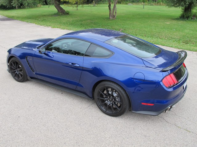commuting and the 2016 ford shelby gt350 mustang don't mix: second drive