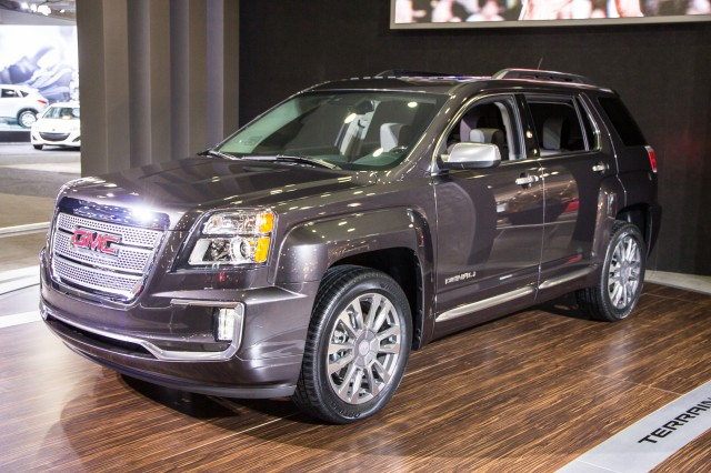 2016 Chevrolet Equinox vs 2016 GMC Terrain  The Car Connection